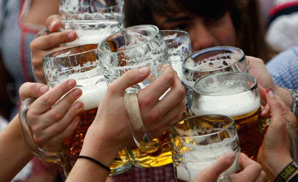 395635alcohol-cerveza-amigos-beber